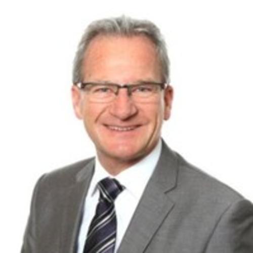 Dr. Bruno Peterer